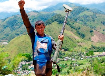 Deminer Jorge Daza celebrates clearing HALO's first mine in Colombia, nearly three years ago