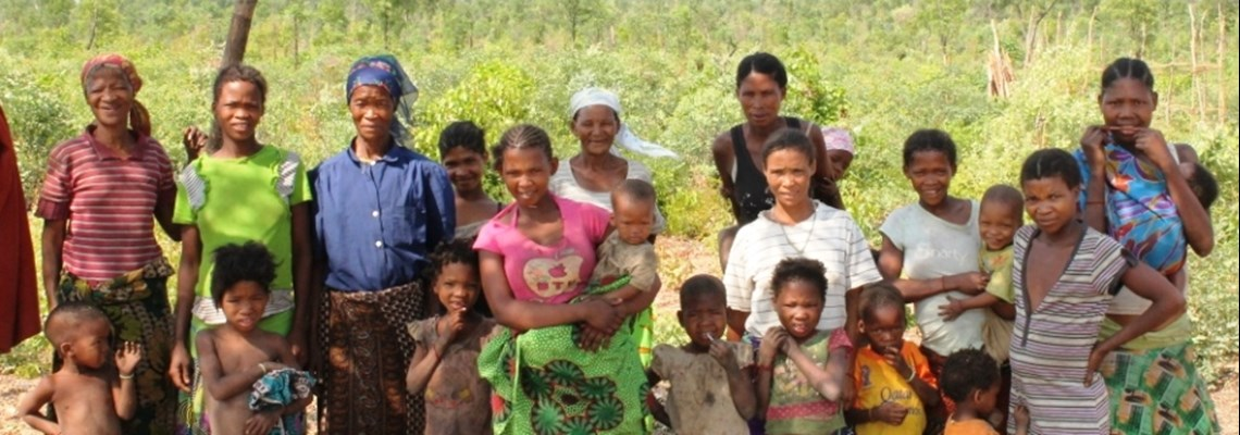 Beneficaries, Khoi Khoi women and children in Angola, HALO trust