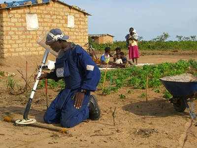 Deminer at work in Angola - HALO Trust