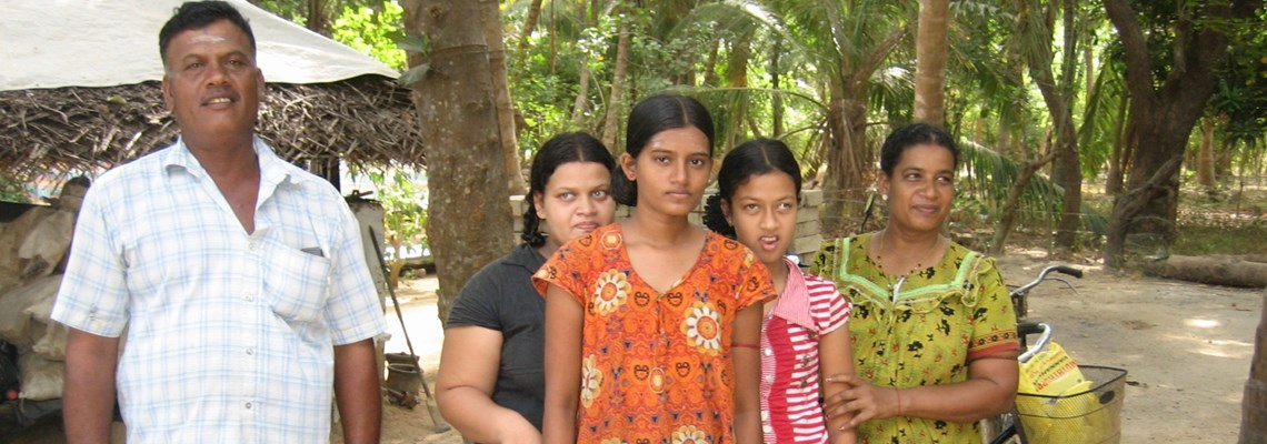Family, Kilinnochi District, Sri Lanka, The HALO Trust