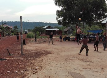 Francis joins villagers in Odar Meanchy Province for a game of volleyball