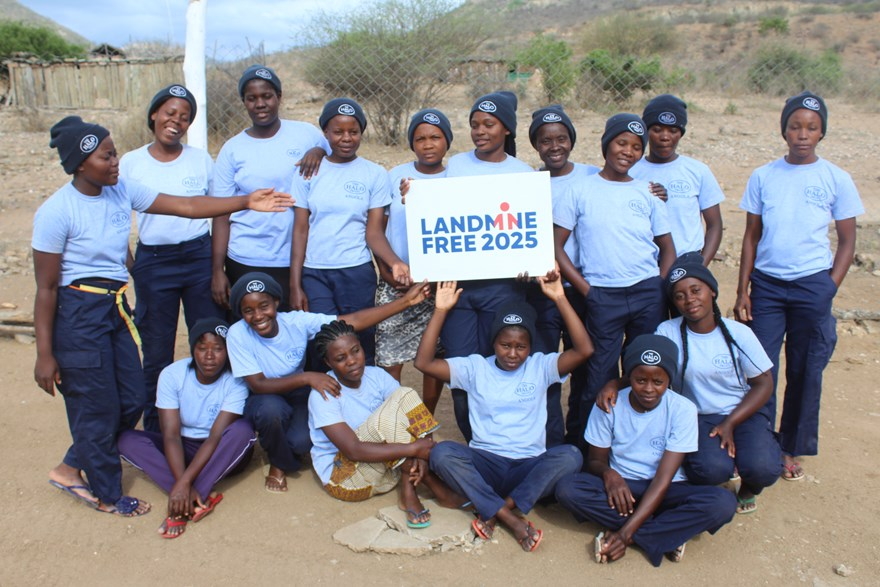 HALO Angola's second cohort of recruits for the 100 Women In Demining project.