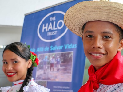 Two young dancers at the handover ceremony in Chaparral, Tolima.